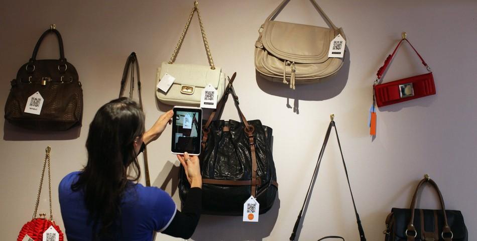 wall of purses ecommerce