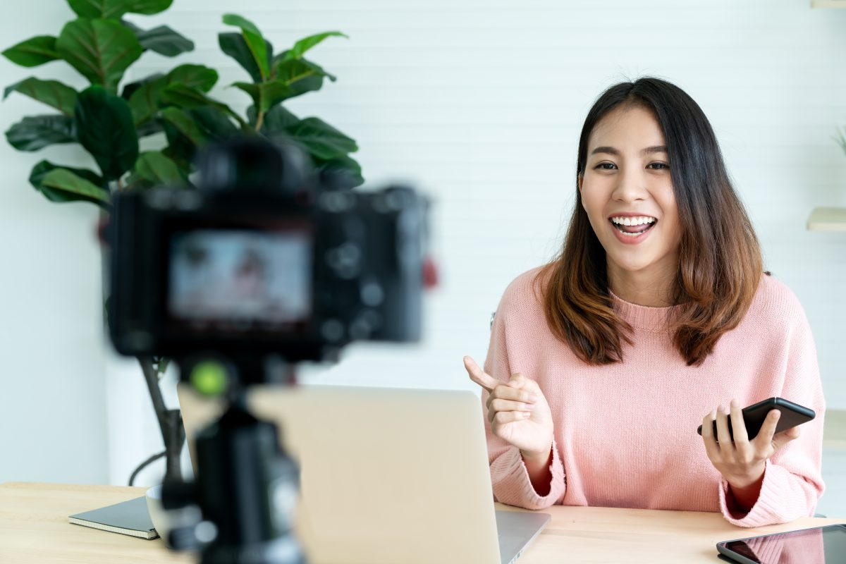 girl making video